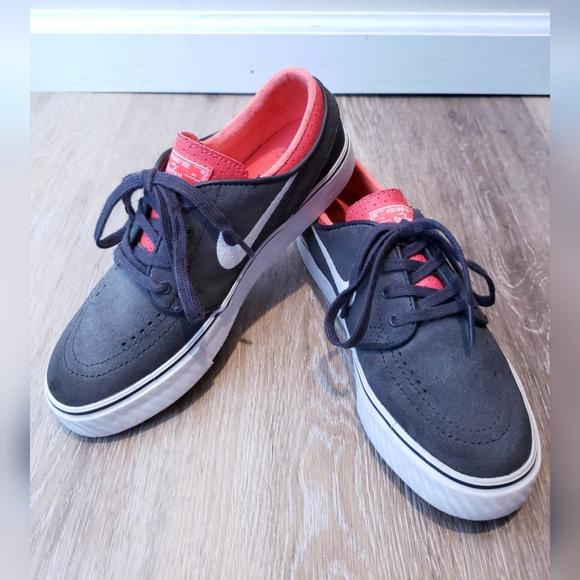 5071a056d63 Nike SB Stefan Janoski Big Kid shoes in 2018 My Posh Closet